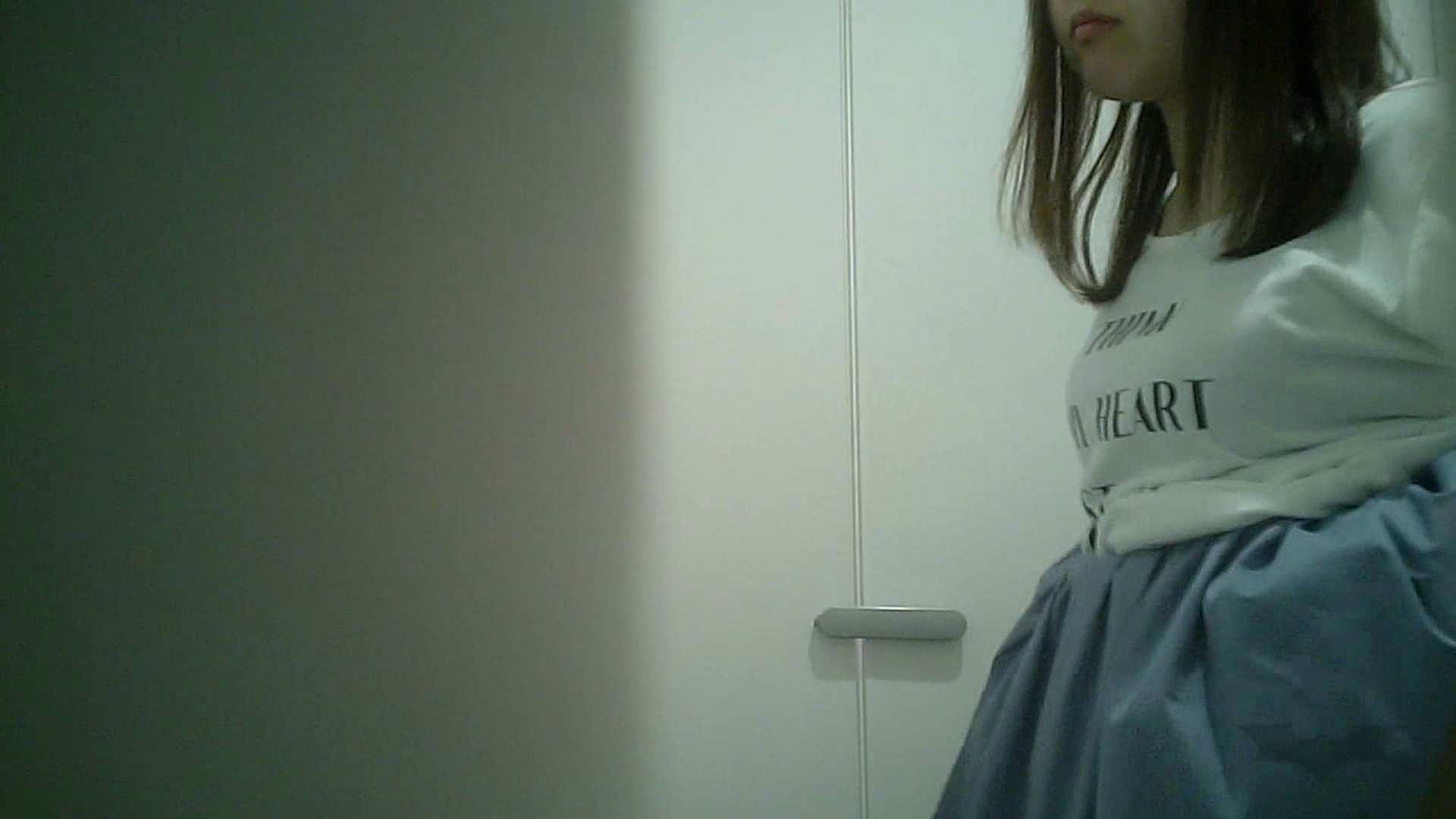 有名大学女性洗面所 vol.38 おやっ!お着替えシーンもいただきましたよ。 着替え ワレメ動画紹介 67画像 59