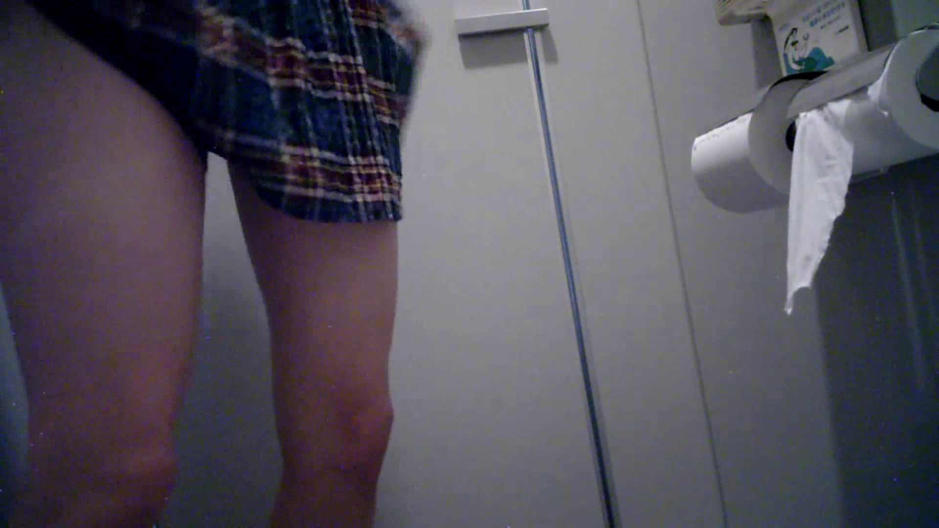 有名大学女性洗面所 vol.40 ??おまじない的な動きをする子がいます。 高画質 われめAV動画紹介 51画像 14