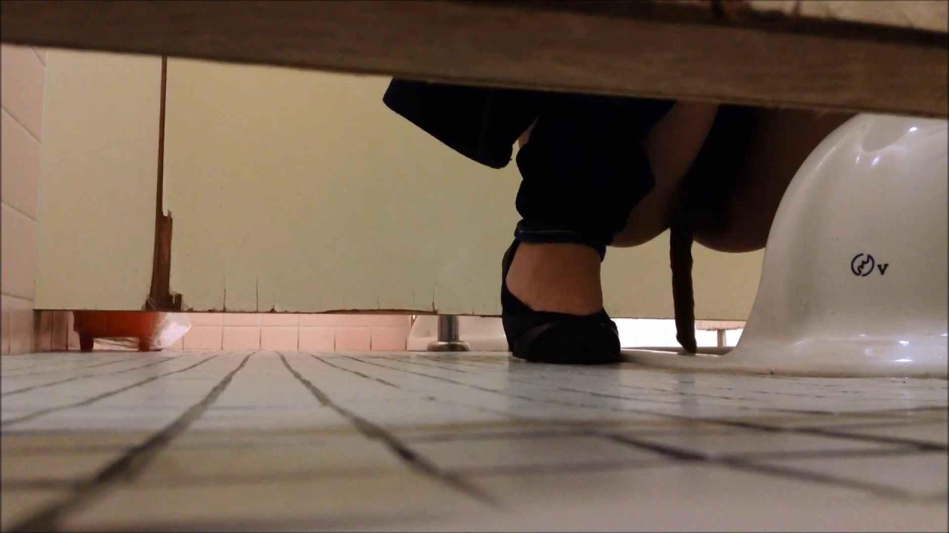 某有名大学女性洗面所 vol.06 排泄 | 和式で・・・  68画像 55
