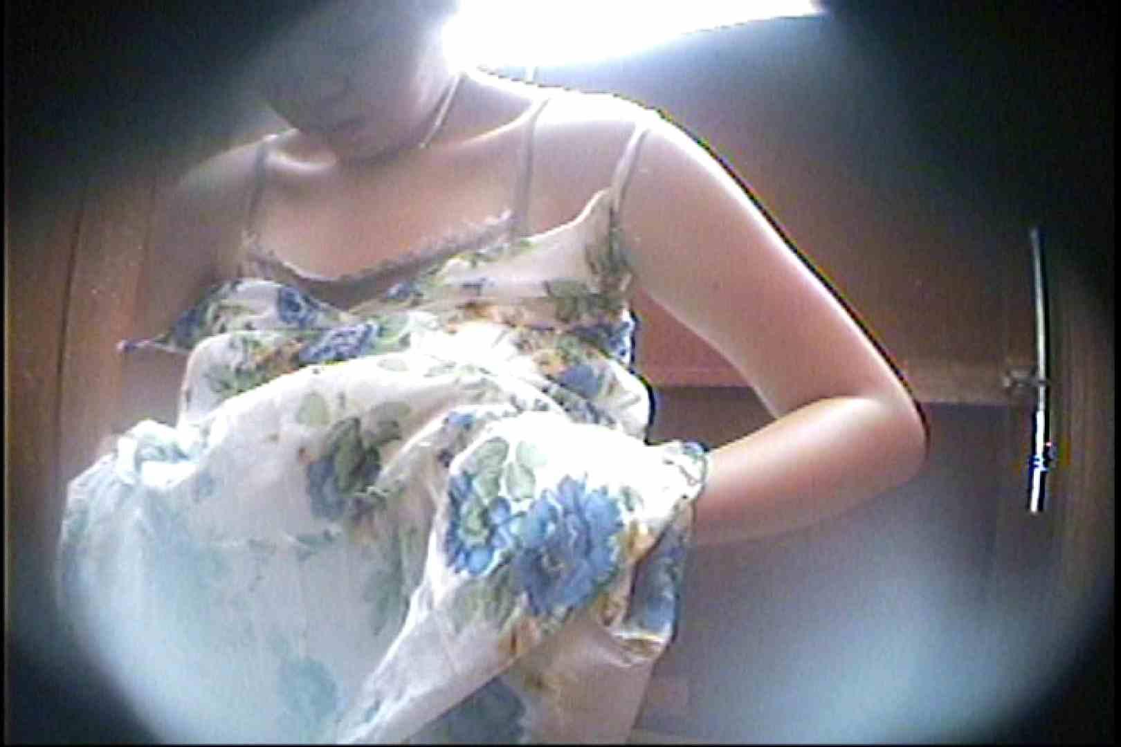 海の家の更衣室 Vol.32 日焼けした肌 スケベ動画紹介 54画像 11