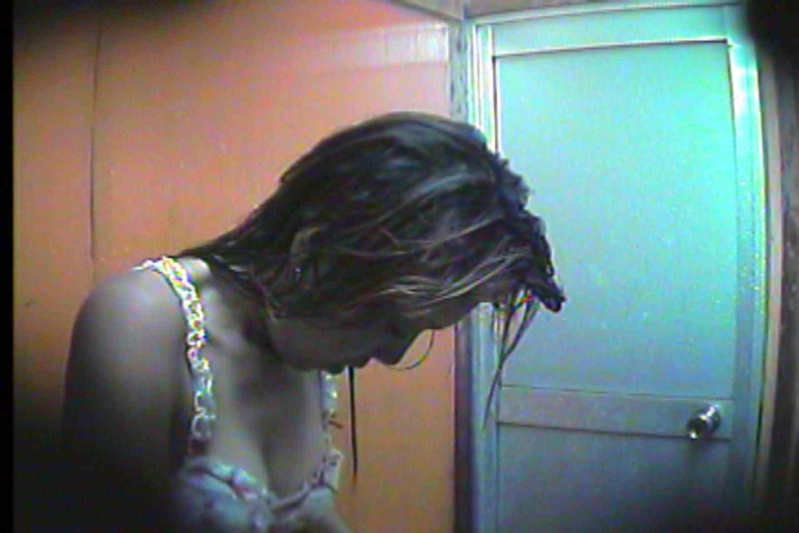 海の家の更衣室 Vol.46 シャワー 戯れ無修正画像 82画像 12