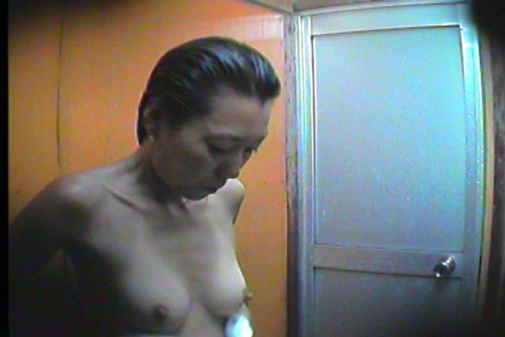 海の家の更衣室 Vol.46 日焼けした肌 おまんこ動画流出 82画像 69