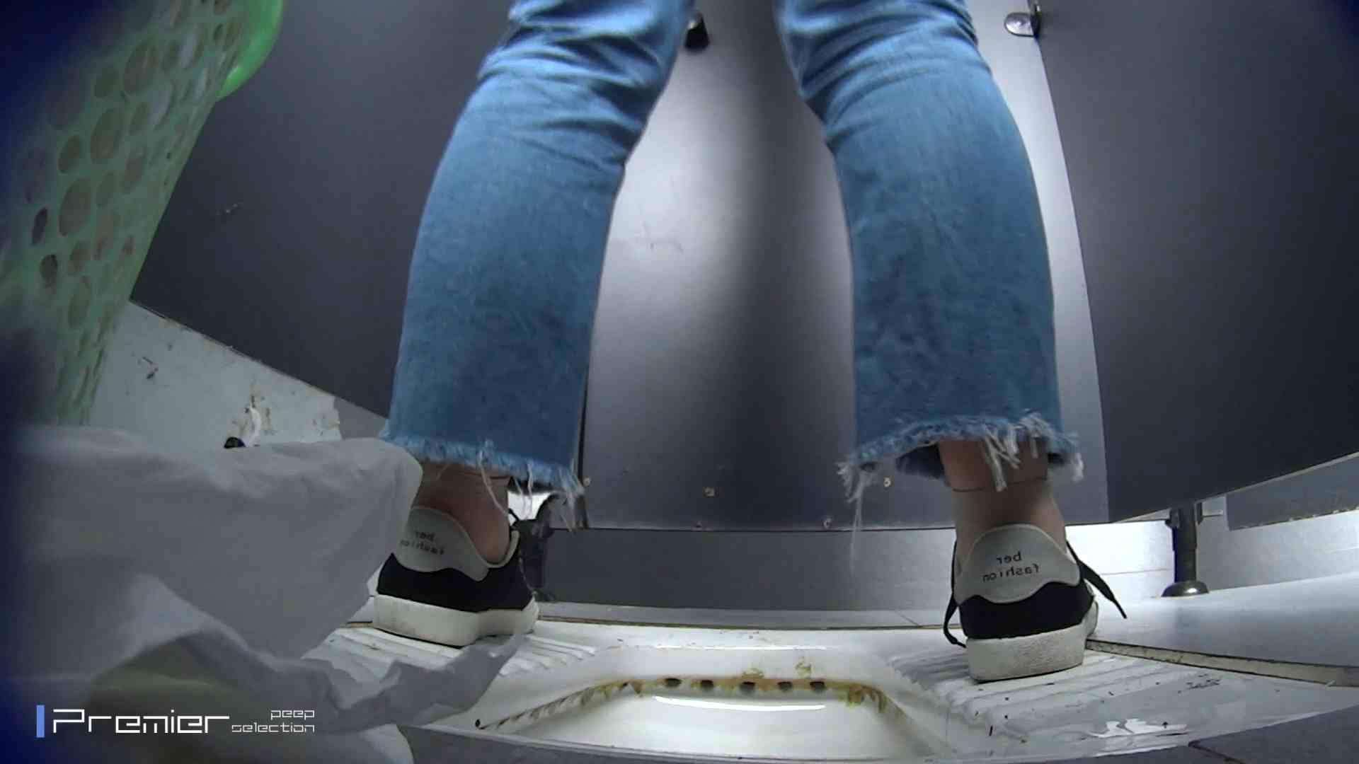 滴り落ちる聖水 大学休憩時間の洗面所事情42 丸見え | お姉さん攻略  66画像 1