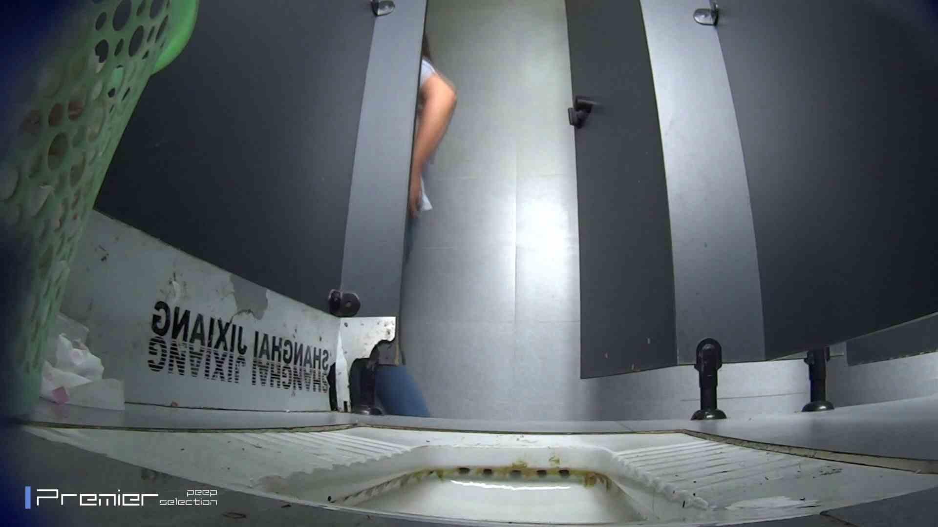 滴り落ちる聖水 大学休憩時間の洗面所事情42 丸見え  66画像 44