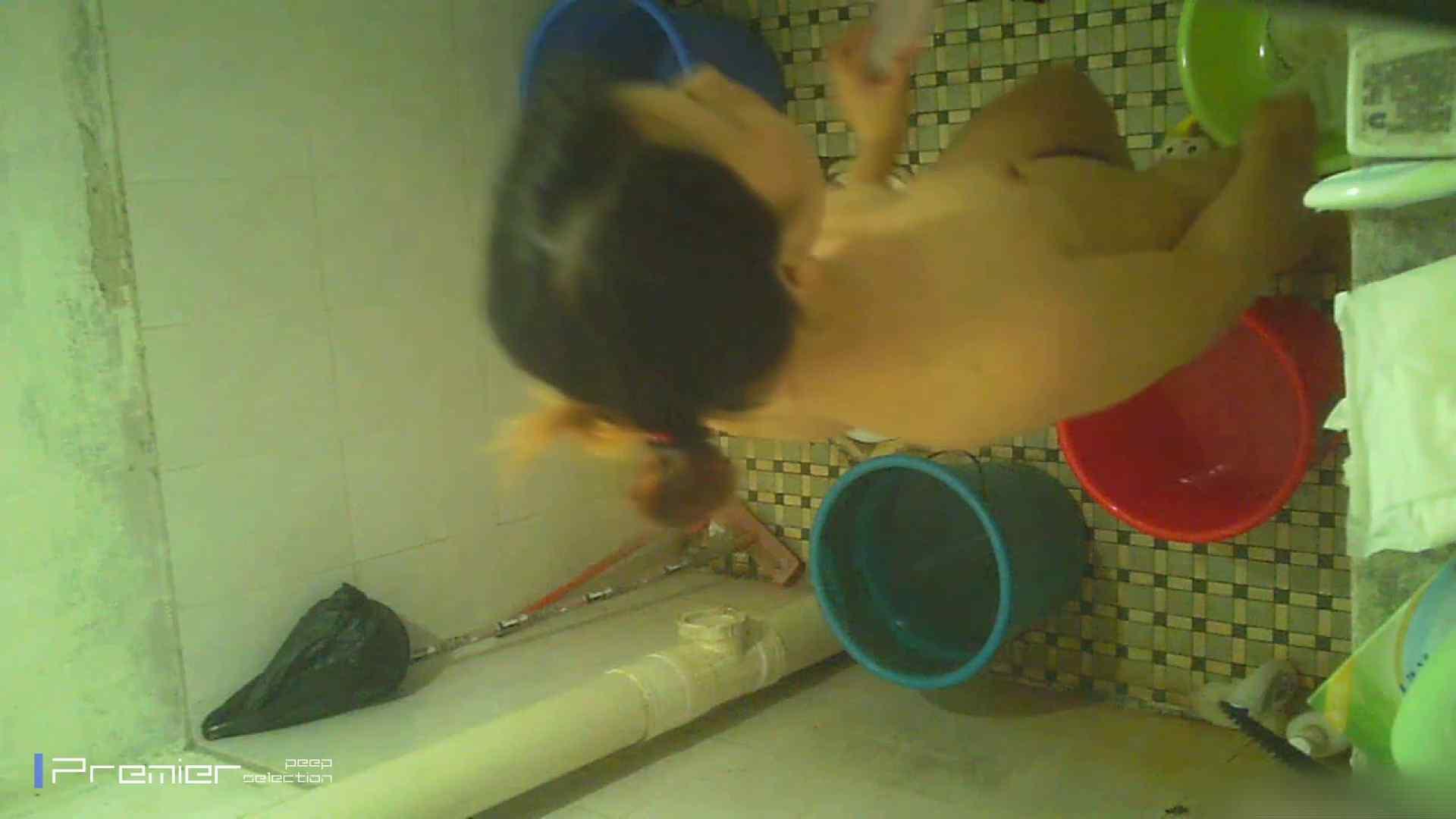 美女の痴態に密着!洗面所で入浴!  パンチラ おめこ無修正画像 87画像 29