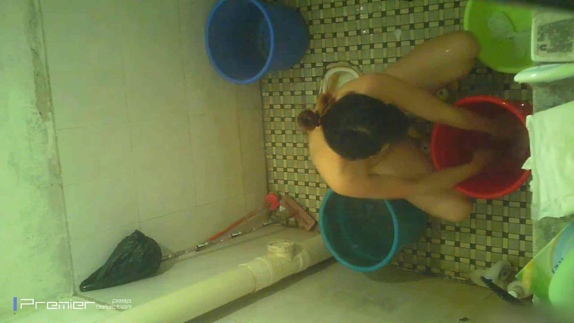 美女の痴態に密着!洗面所で入浴!  パンチラ おめこ無修正画像 87画像 61