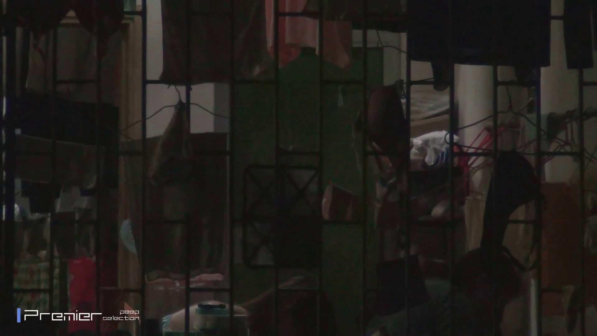美女の痴態に密着!洗濯物を干す女 Vol.07 パンチラ セックス無修正動画無料 98画像 9