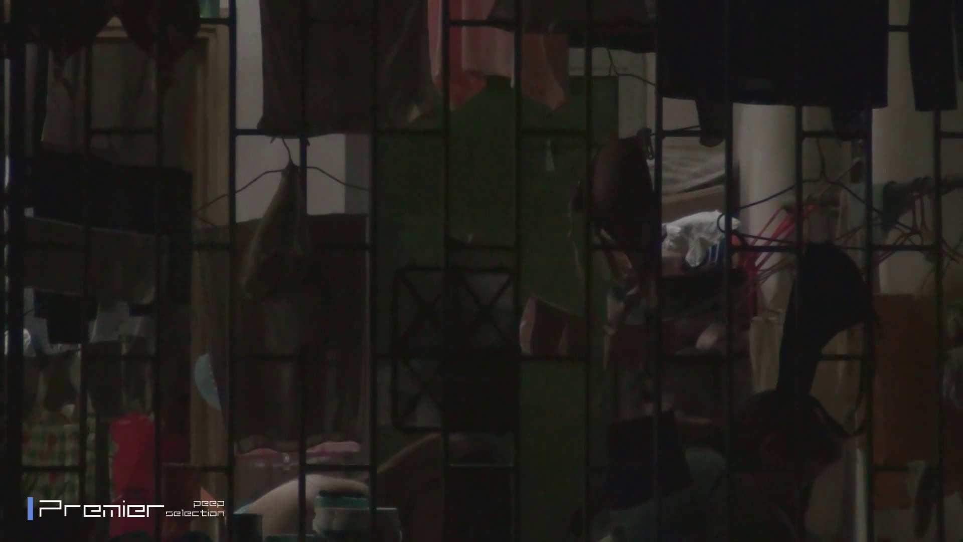 美女の痴態に密着!洗濯物を干す女 Vol.07 チラ おまんこ動画流出 98画像 10