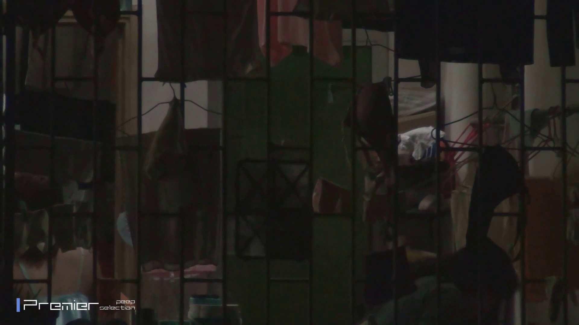美女の痴態に密着!洗濯物を干す女 Vol.07 細身女性 オマンコ無修正動画無料 98画像 24