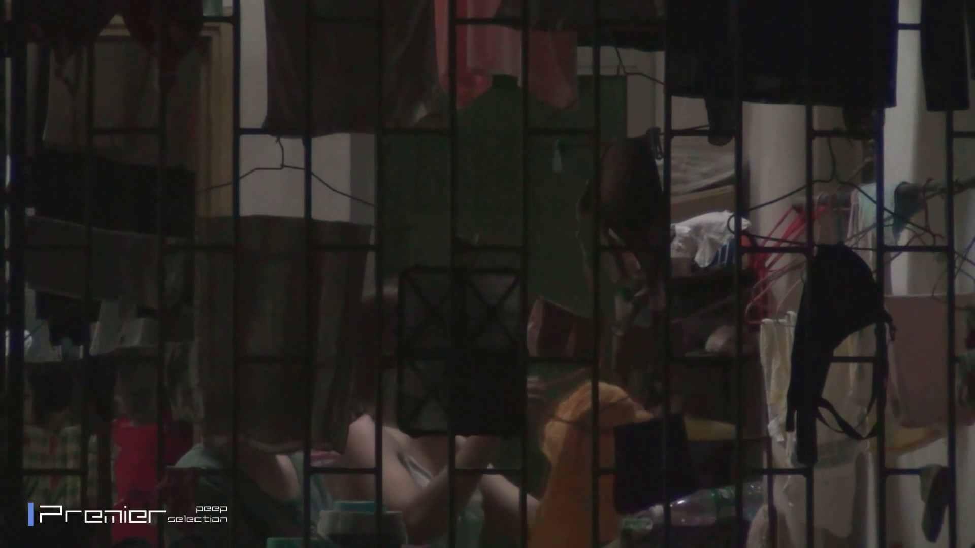 美女の痴態に密着!洗濯物を干す女 Vol.07 美乳 オメコ無修正動画無料 98画像 27