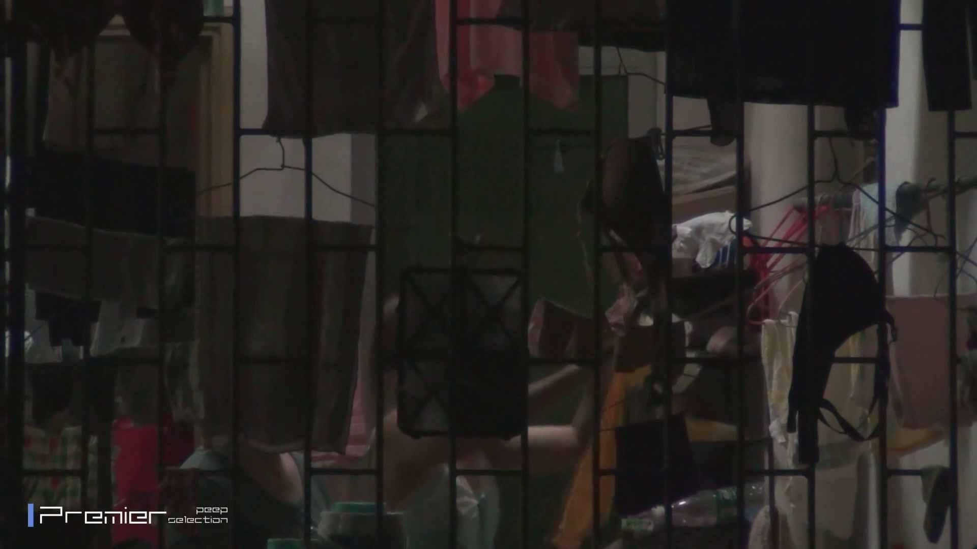 美女の痴態に密着!洗濯物を干す女 Vol.07 パンチラ セックス無修正動画無料 98画像 31