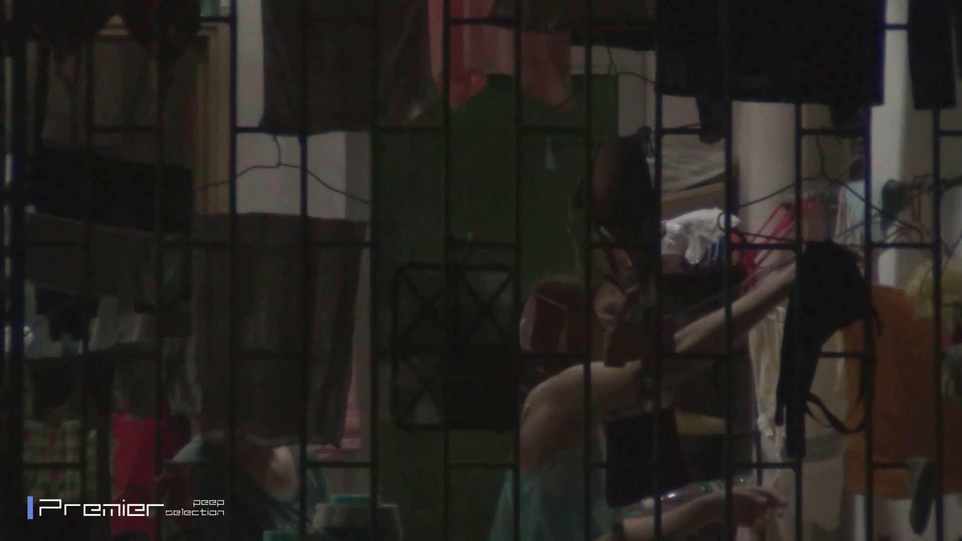 美女の痴態に密着!洗濯物を干す女 Vol.07 細身女性 オマンコ無修正動画無料 98画像 35