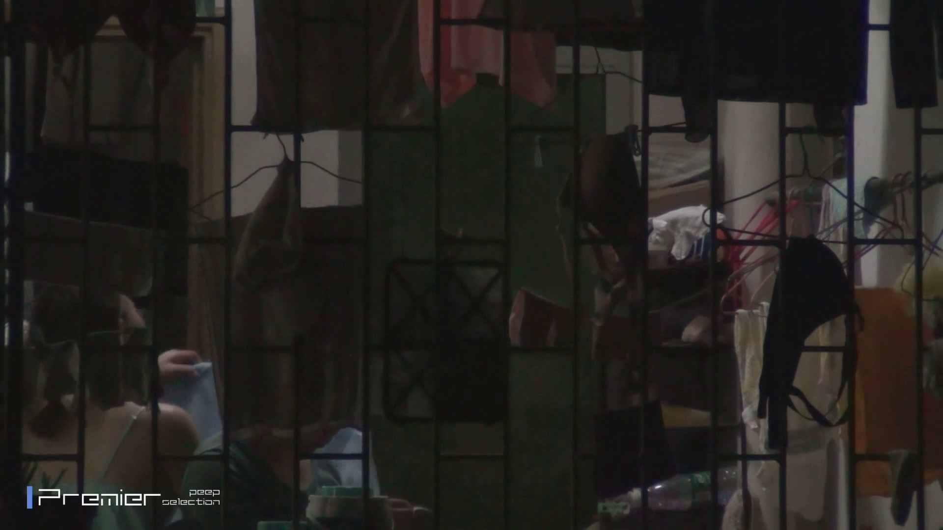 美女の痴態に密着!洗濯物を干す女 Vol.07 パンチラ セックス無修正動画無料 98画像 42