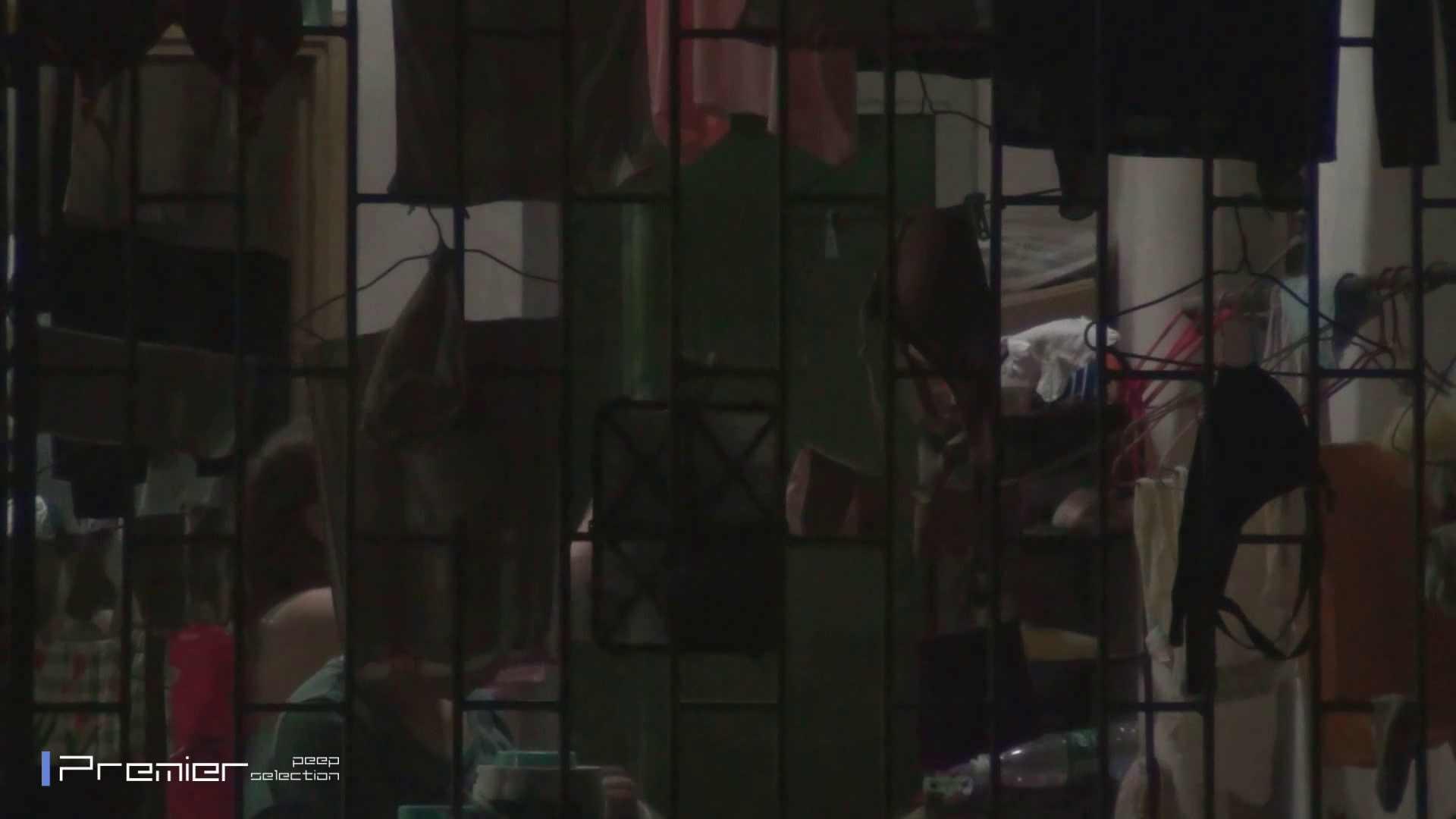 美女の痴態に密着!洗濯物を干す女 Vol.07 細身女性 オマンコ無修正動画無料 98画像 46