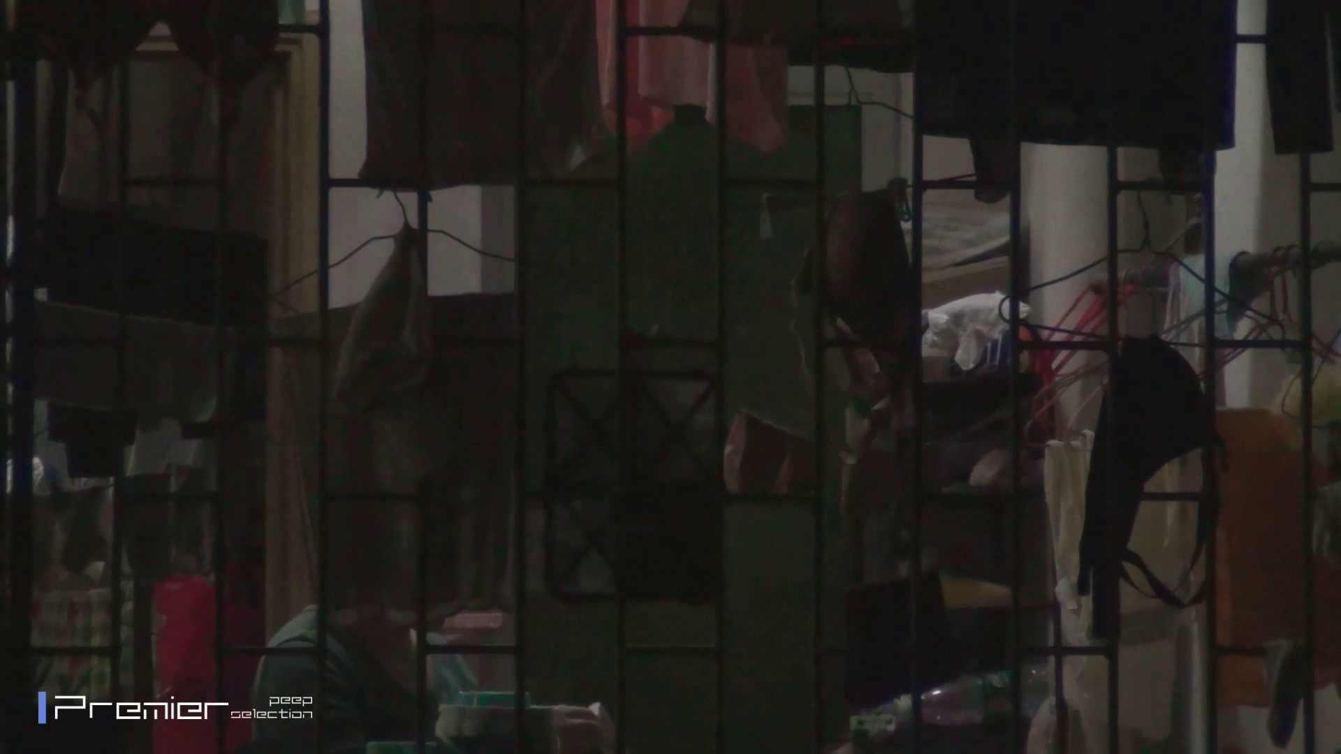 美女の痴態に密着!洗濯物を干す女 Vol.07 美乳 オメコ無修正動画無料 98画像 49