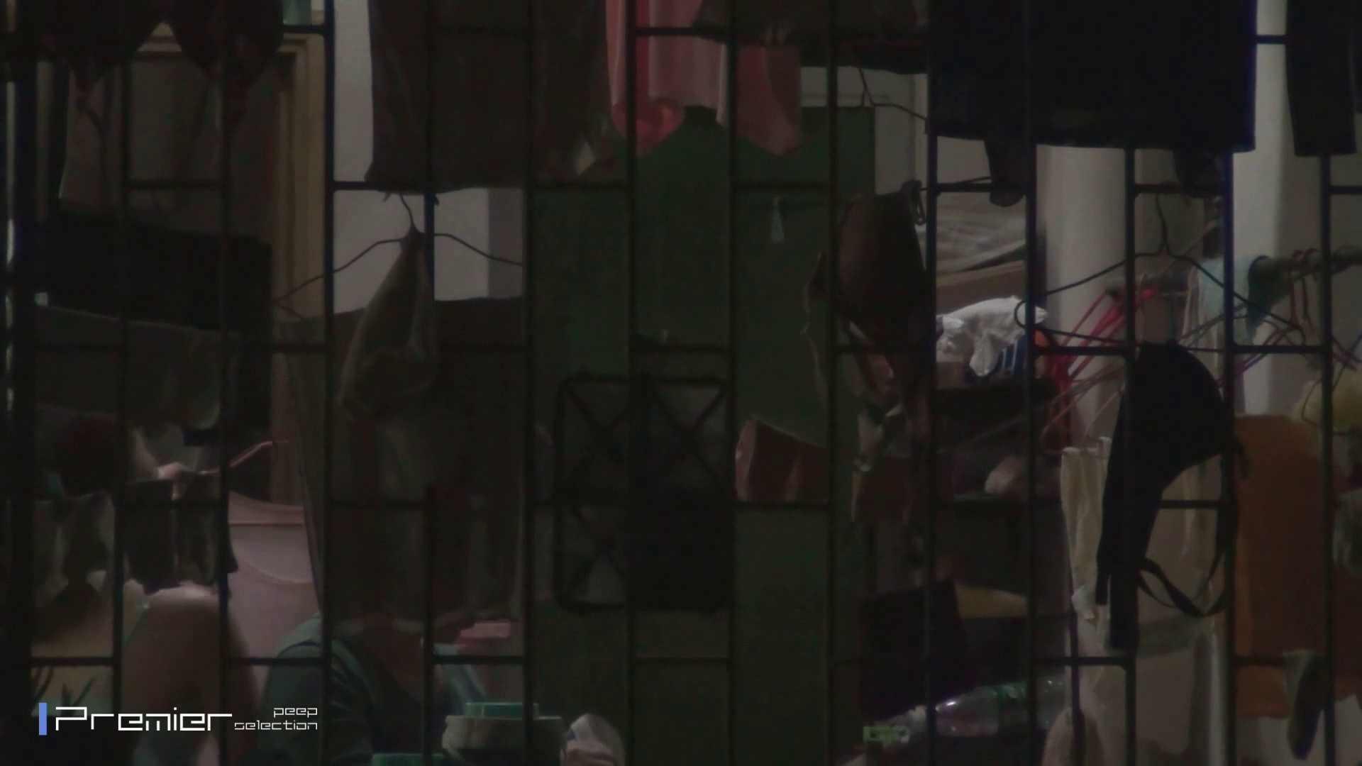 美女の痴態に密着!洗濯物を干す女 Vol.07 潜入 おめこ無修正画像 98画像 51