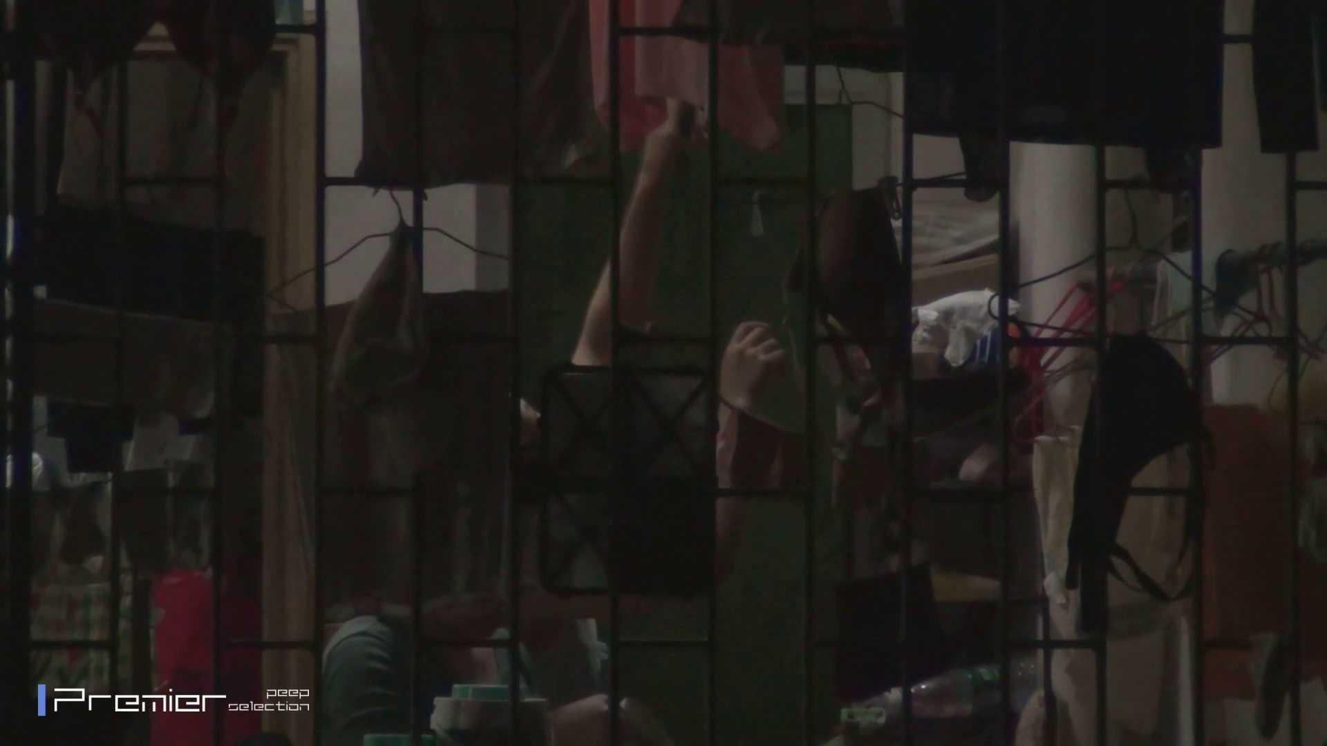 美女の痴態に密着!洗濯物を干す女 Vol.07 細身女性 オマンコ無修正動画無料 98画像 79