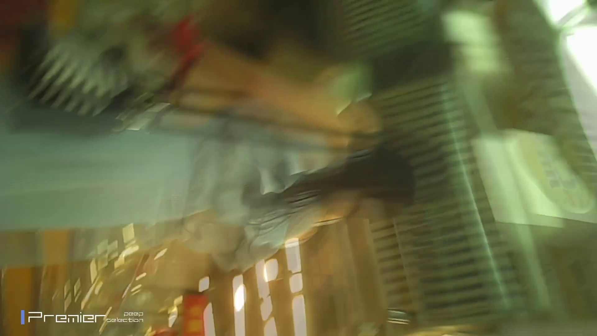 美女の痴態に密着!ギャルのパンチラVol.04 眼鏡女良のパンチラ 洗面所 ワレメ動画紹介 99画像 6