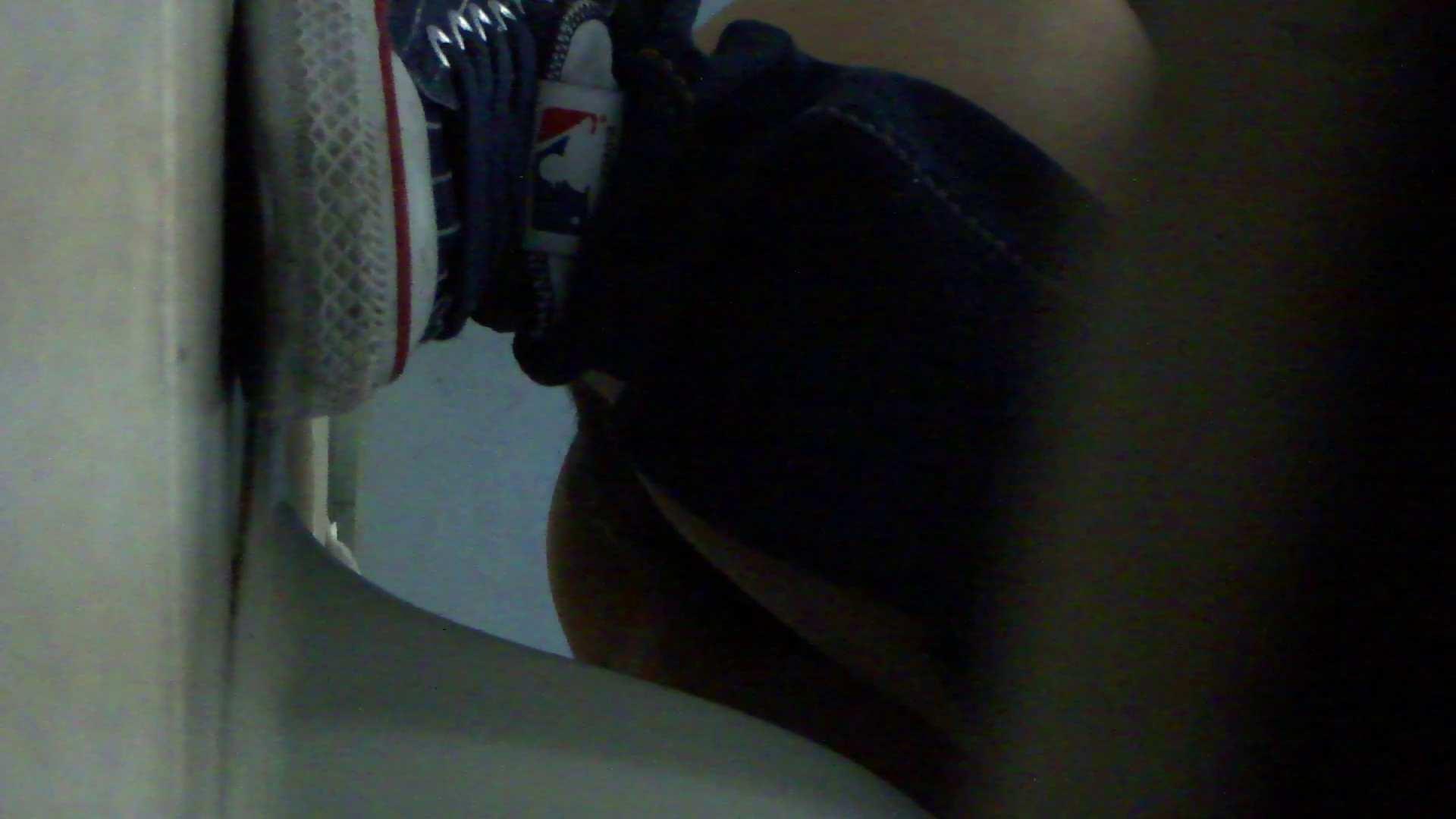 ギャルのツルピカ潜入盗撮!Vol.08 洗面所 オメコ動画キャプチャ 106画像 18