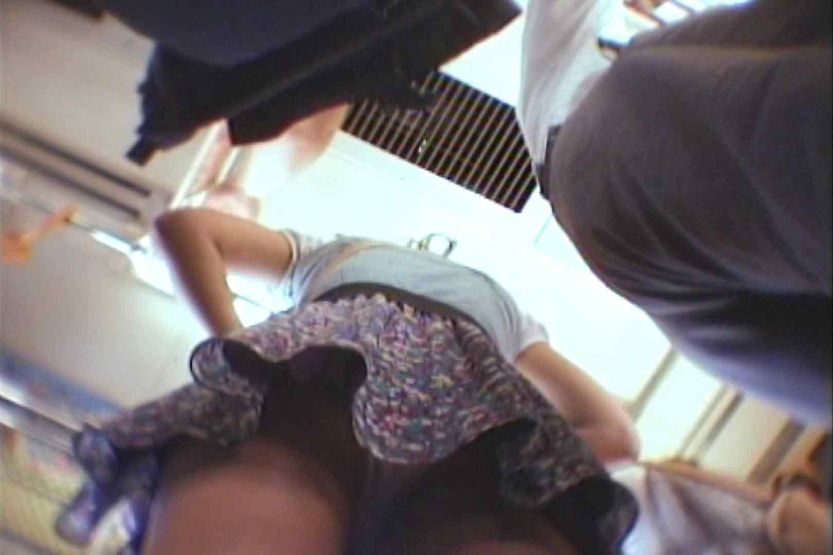 会員No.15 KAIさんのパンチラOL通勤の会 細身女性 おまんこ動画流出 80画像 42