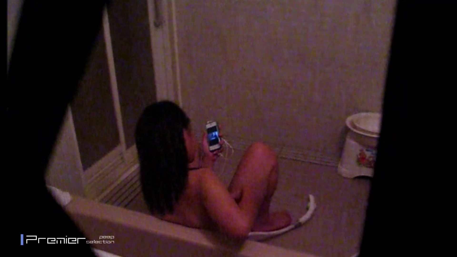 携帯触りなが満子をいじる 乙女の風呂場 Vol.19 ギャル攻め エロ無料画像 76画像 2