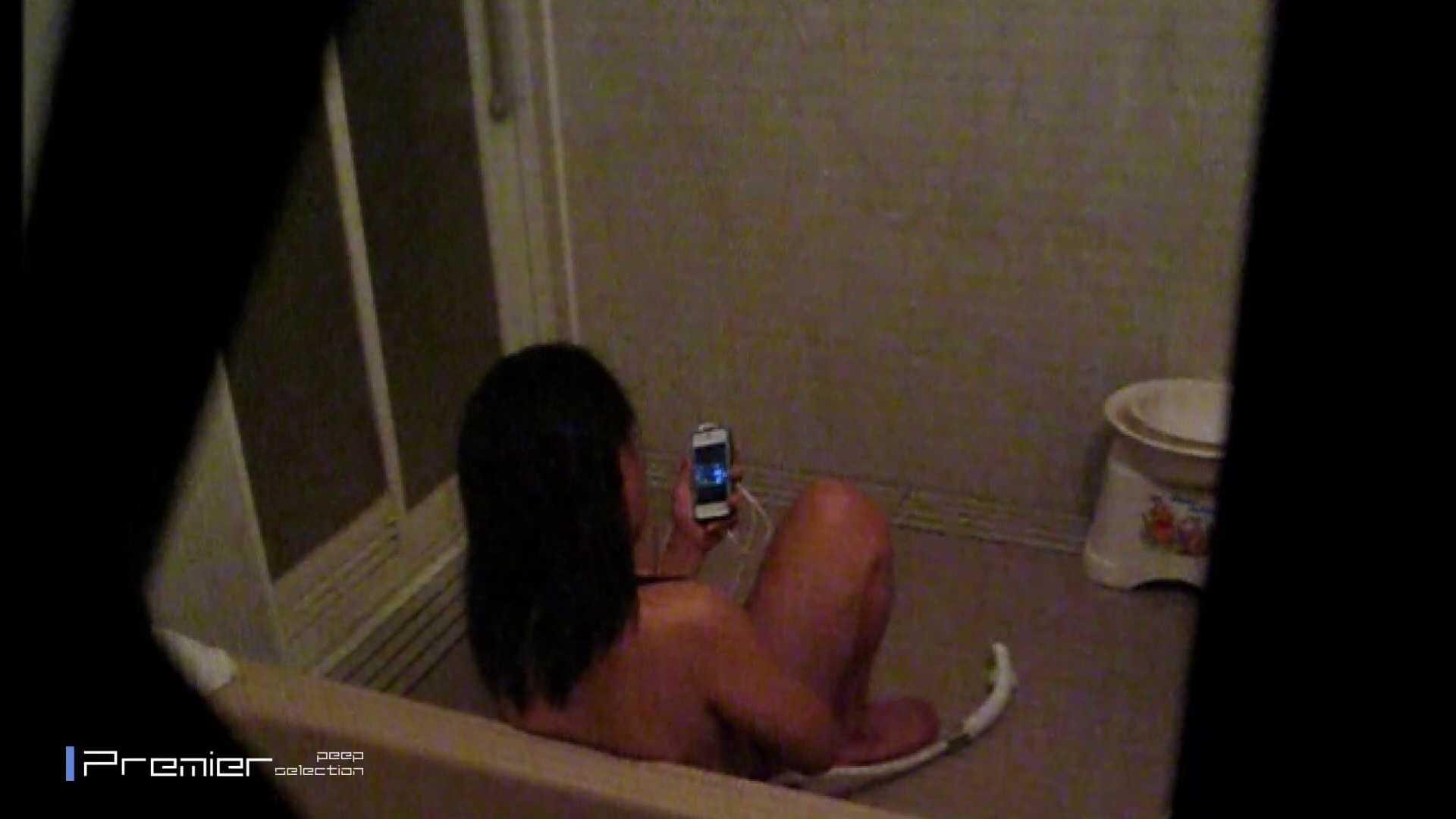 携帯触りなが満子をいじる 乙女の風呂場 Vol.19 乙女だって。。。 スケベ動画紹介 76画像 22