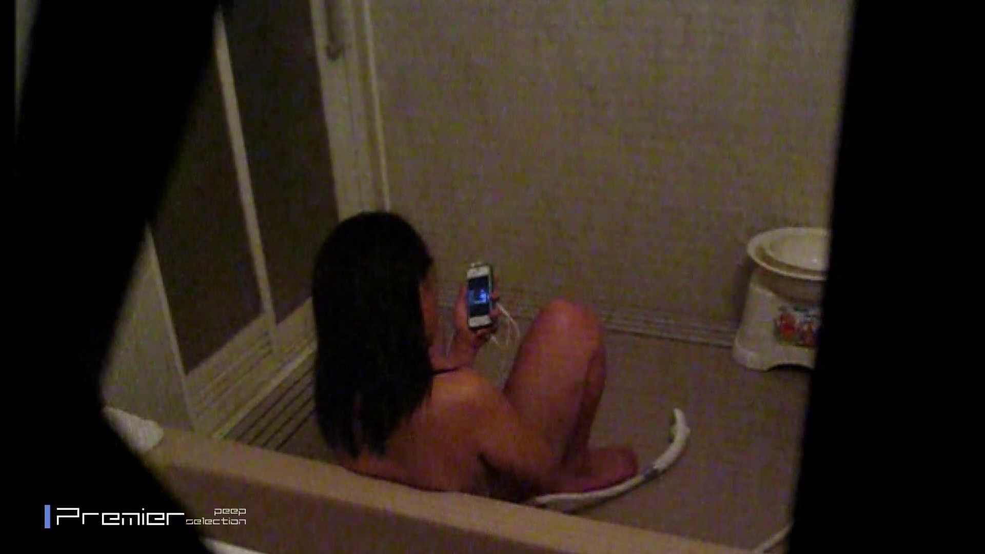 携帯触りなが満子をいじる 乙女の風呂場 Vol.19 投稿 えろ無修正画像 76画像 23