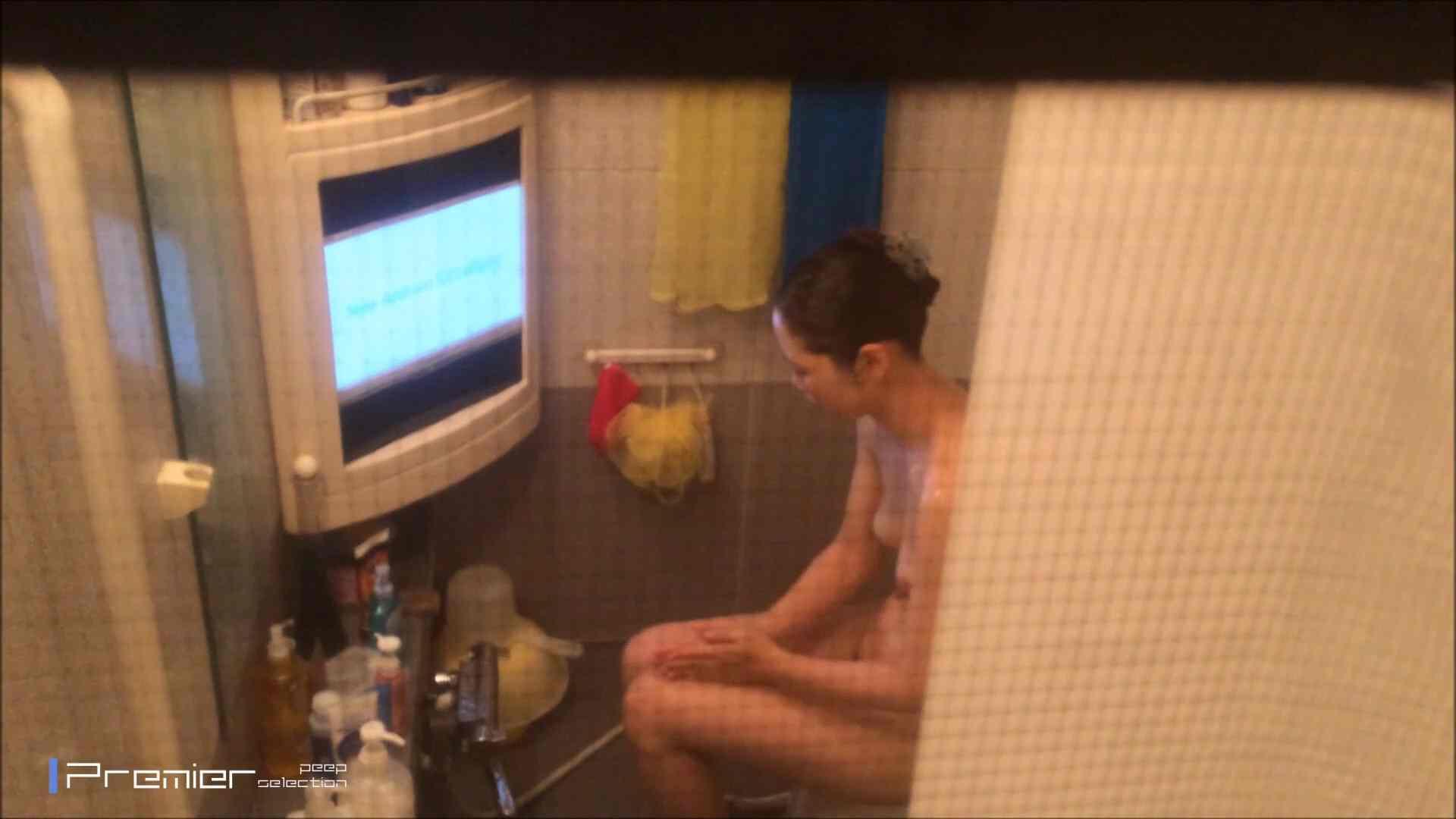美女のテレビを見ながらの入浴 乙女の風呂場 Vol.21 盗撮で悶絶 オマンコ無修正動画無料 111画像 82