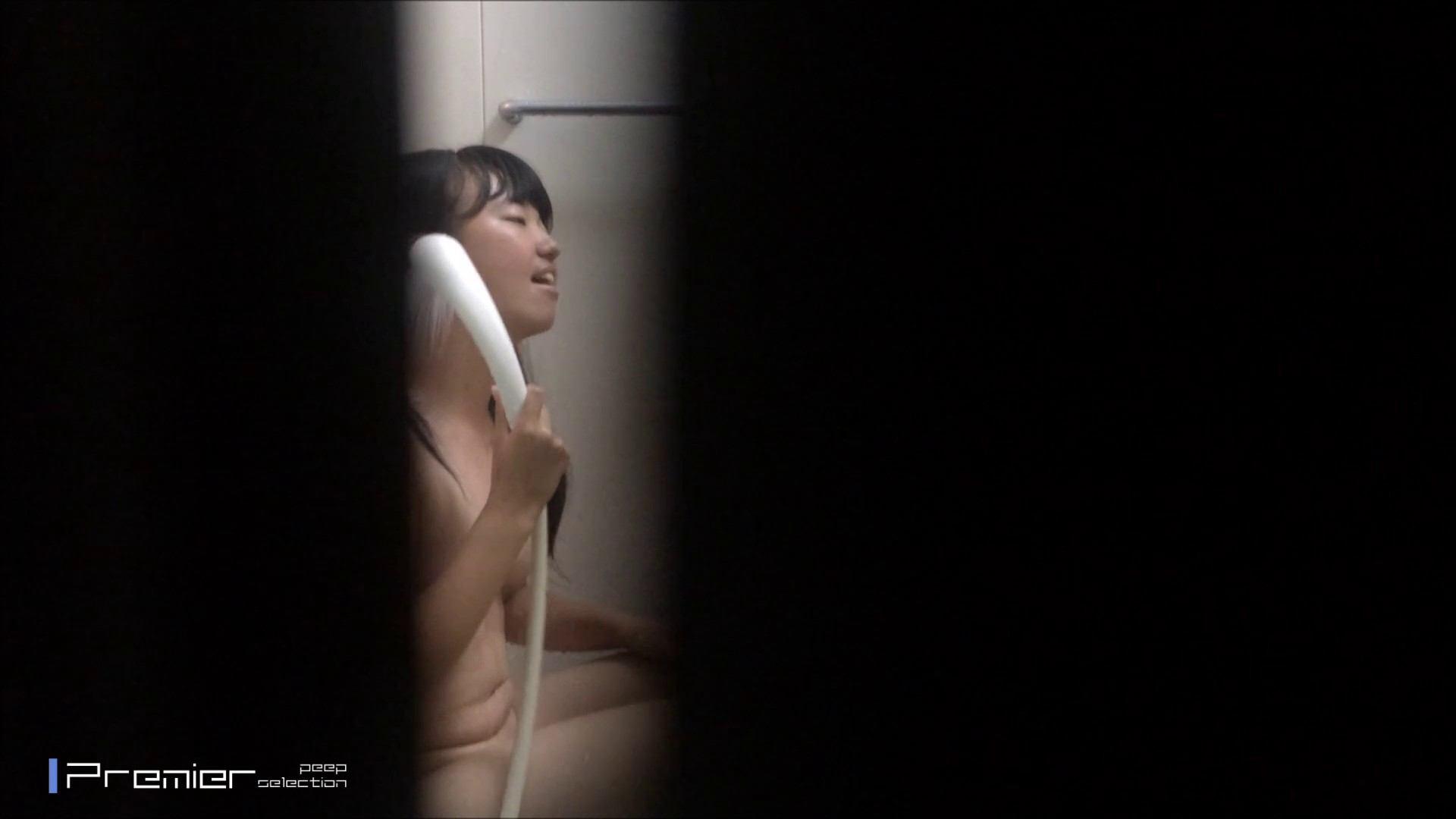 清楚な黒髪の美女 乙女の風呂場 Vol.22 ギャル攻め 戯れ無修正画像 72画像 2