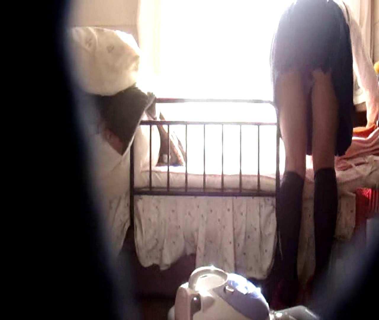 vol.3 まどかがパンツを見せながら部屋掃除、洗面所も少しどうぞ。 ○族 SEX無修正画像 106画像 29