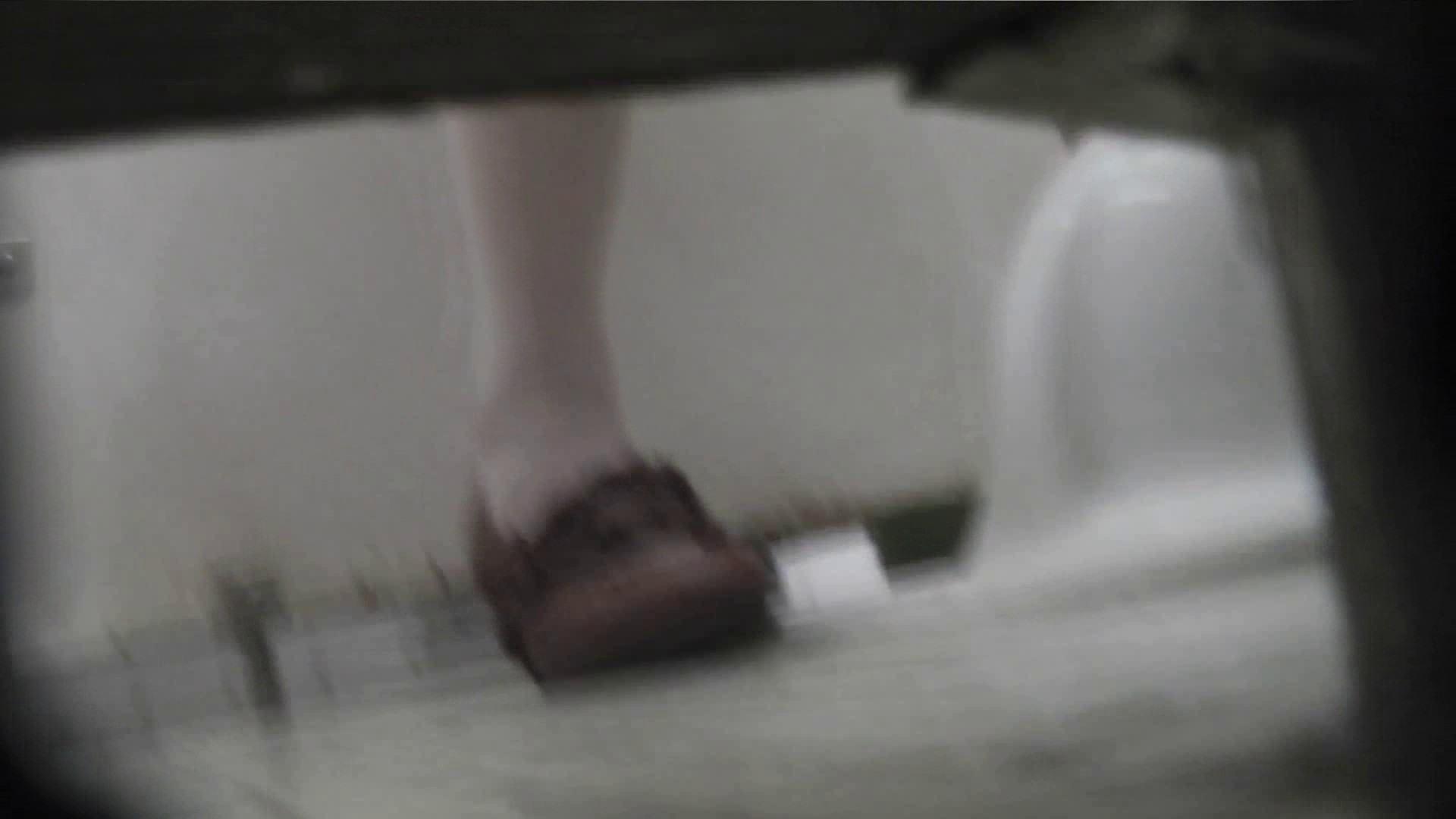 vol.62 命がけ潜伏洗面所! クパ~しながら放水してみた 丸見え ワレメ動画紹介 66画像 27
