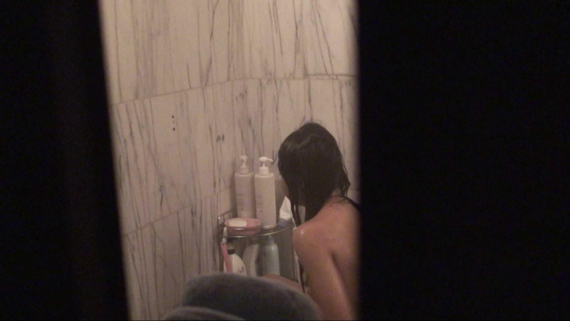 vol.03歌いながらつるつるのおっぱいを洗い流す彼女!近すぎてバレちゃた!? 細身女性 性交動画流出 72画像 3