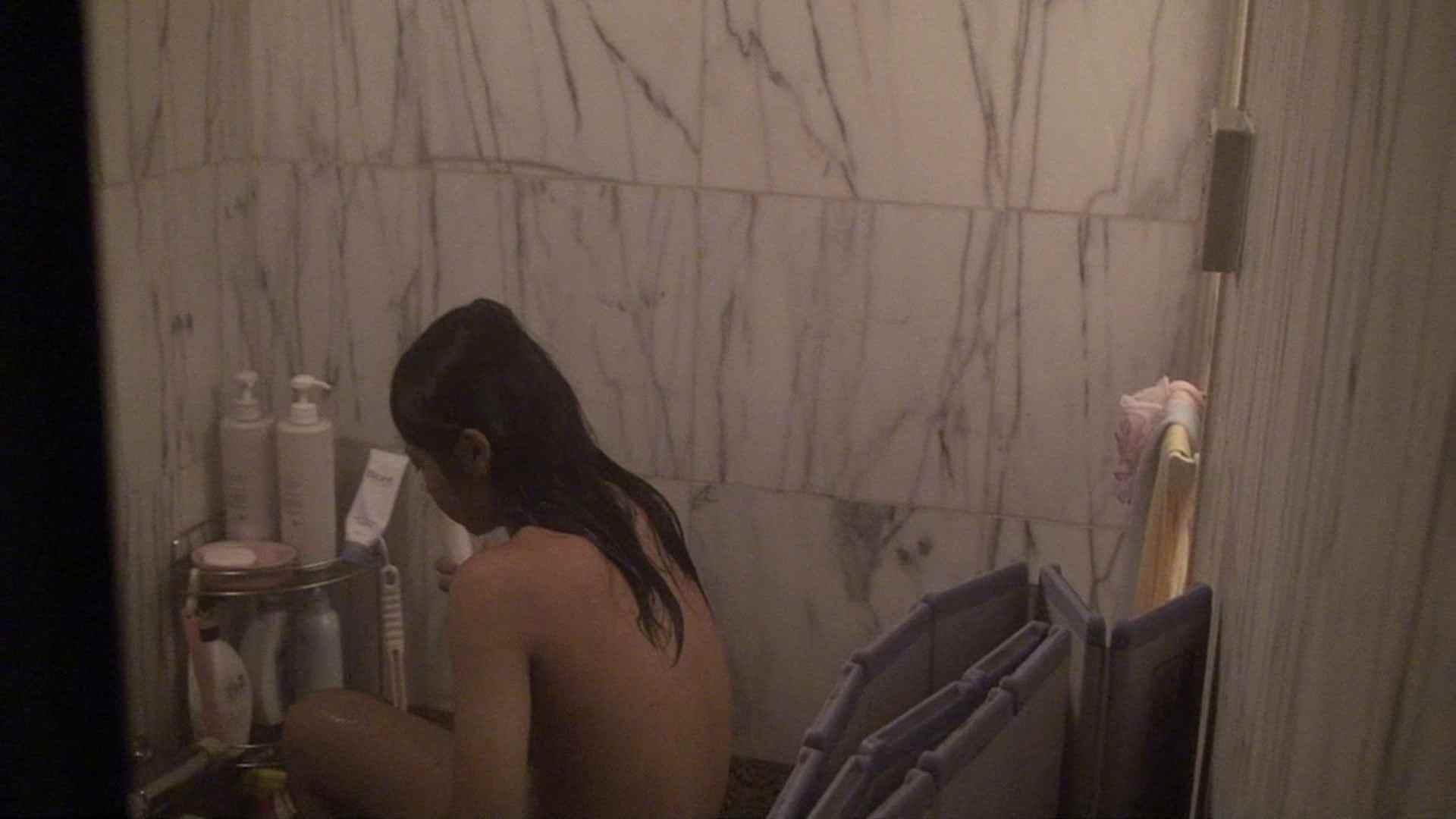vol.03歌いながらつるつるのおっぱいを洗い流す彼女!近すぎてバレちゃた!? 美人編 AV無料 72画像 68