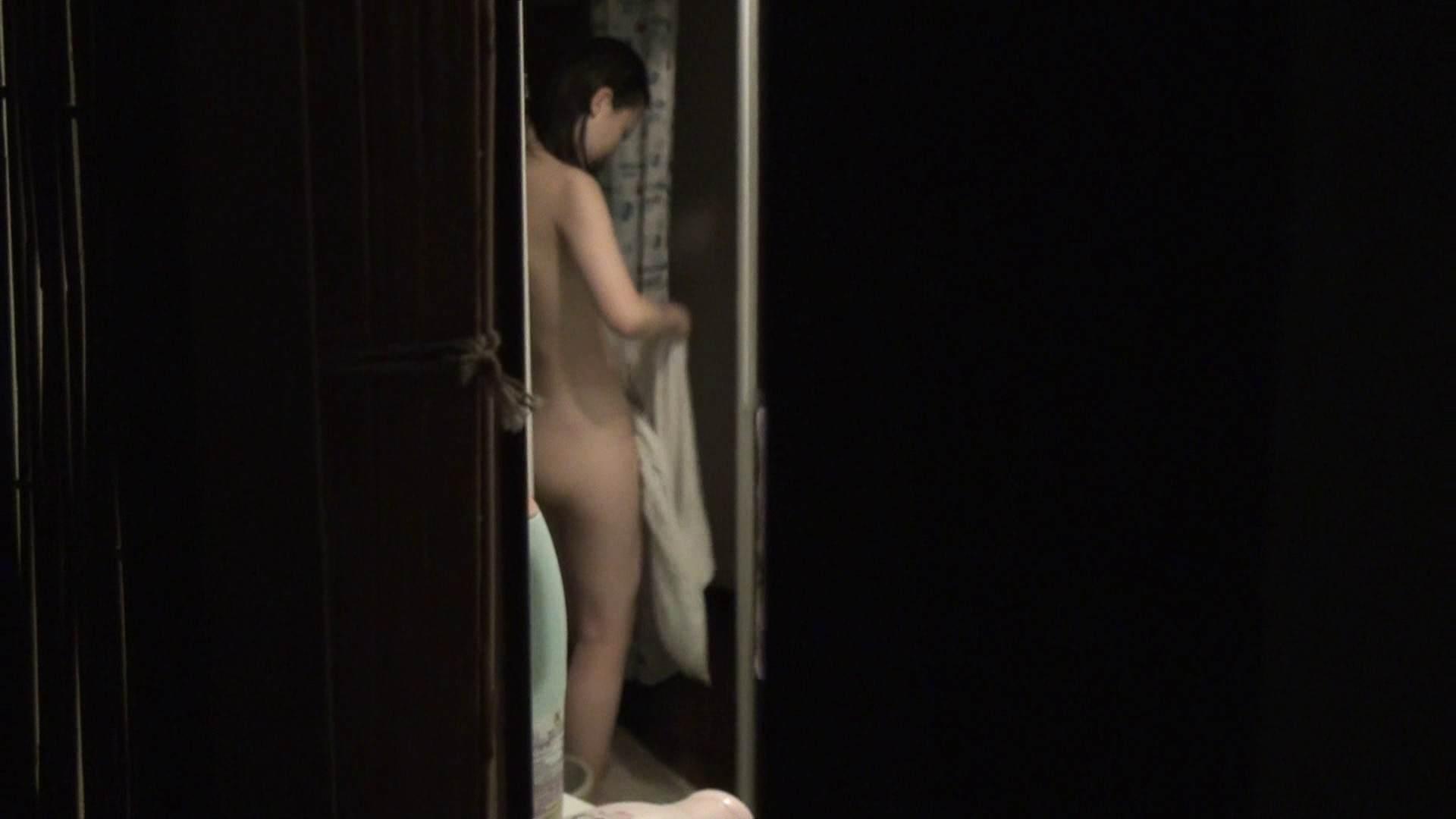 vol.06顔を洗い流す極上お女市さんの裸体をハイビジョンで!風呂上り着替え必見! 盗撮で悶絶 | 着替え  68画像 33