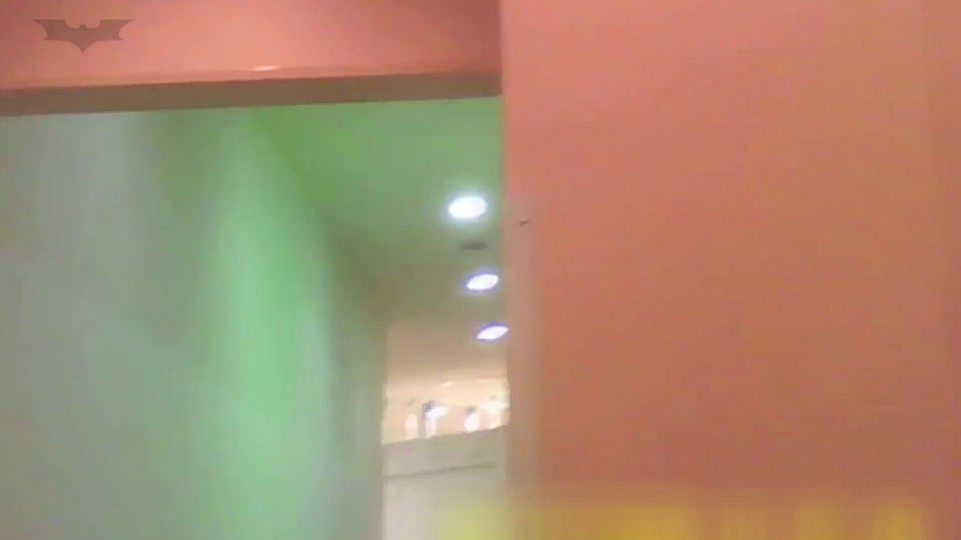 夏の思い出浜辺トイレ盗撮Vol.19 和式で・・・ おめこ無修正動画無料 103画像 21