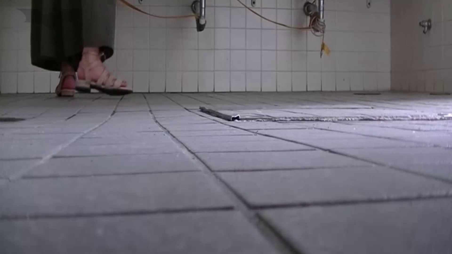 夏の思い出浜辺トイレ盗撮Vol.22 洗面所 おまんこ無修正動画無料 100画像 6