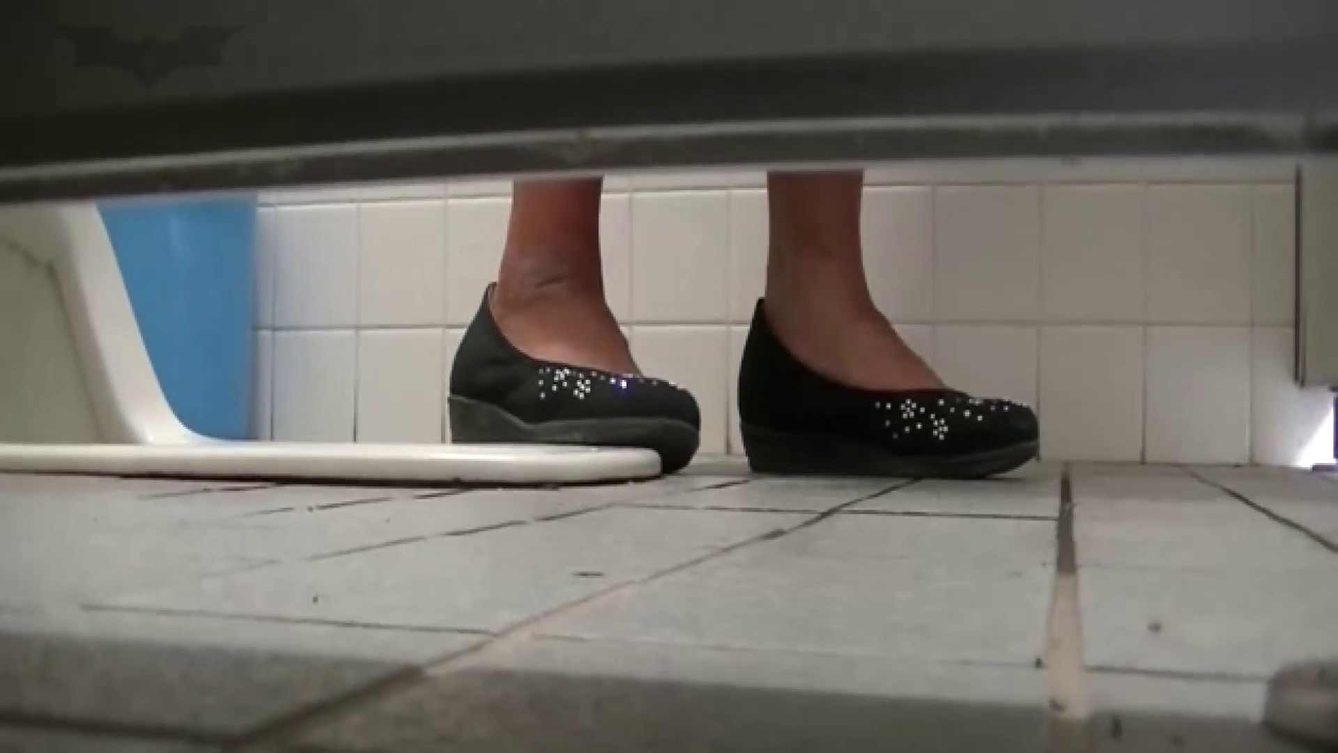 夏の思い出浜辺トイレ盗撮Vol.22 トイレのぞき オマンコ無修正動画無料 100画像 10