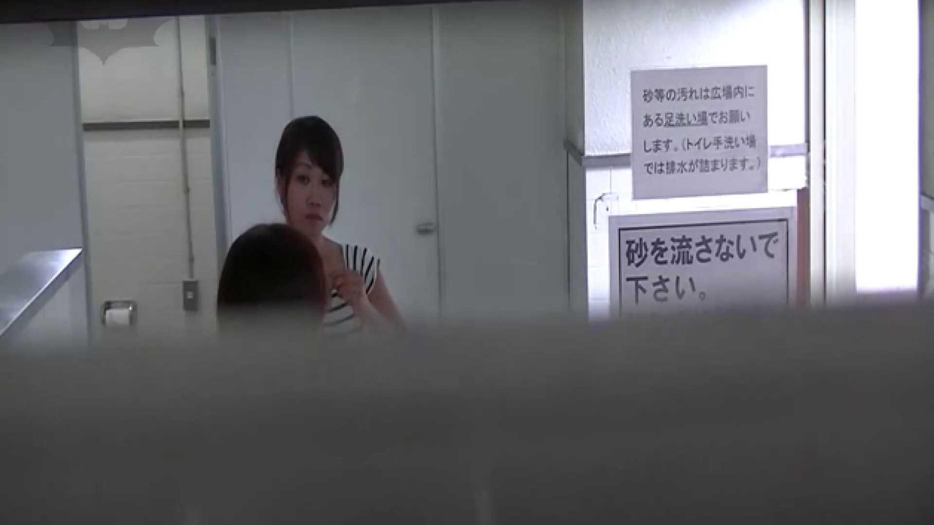 夏の思い出浜辺トイレ盗撮Vol.22 美肌 ぱこり動画紹介 100画像 100