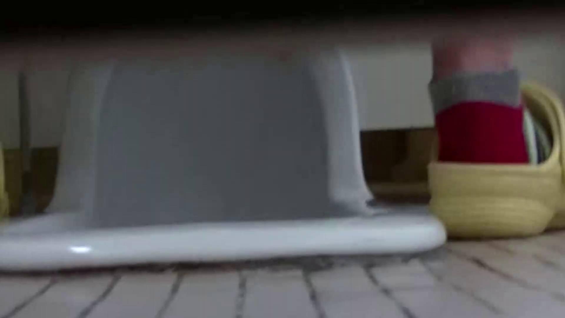 夏の思い出浜辺トイレ盗撮Vol.23 洗面所 おまんこ無修正動画無料 59画像 50