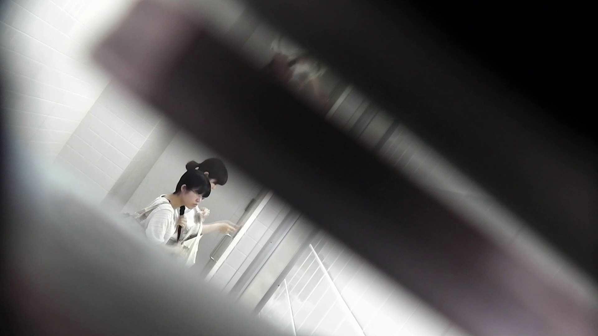 お銀 vol.72 あのかわいい子がついフロント撮り実演 美人編 | 洗面所  71画像 1