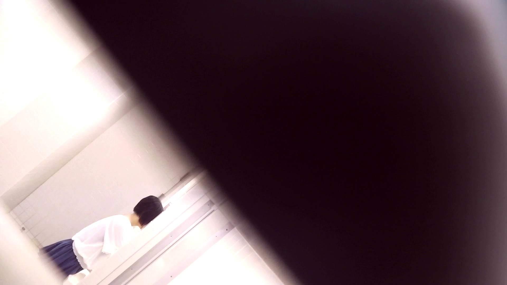 お銀さんの「洗面所突入レポート!!」Nol.17 洗面所 戯れ無修正画像 102画像 65