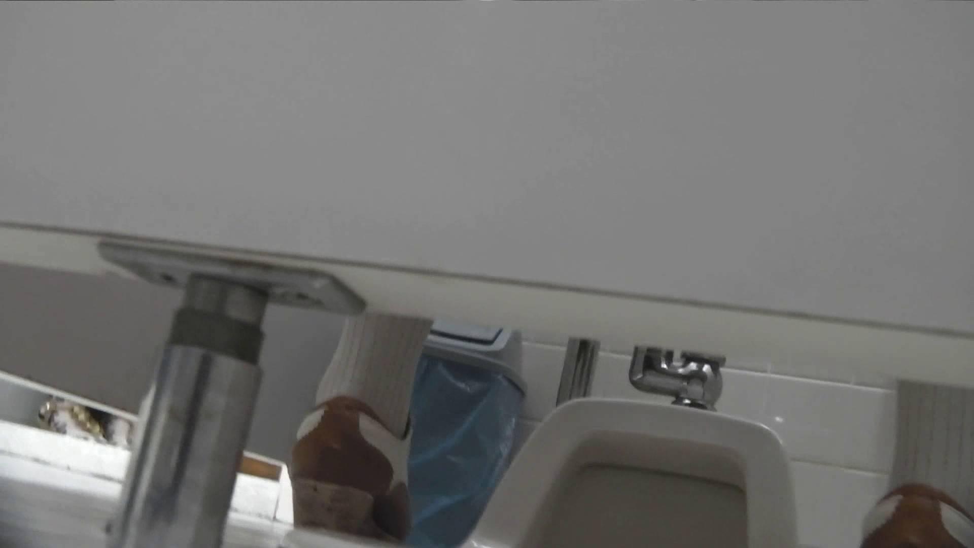 お銀さんの「洗面所突入レポート!!」Nol.22 丸見え ワレメ動画紹介 72画像 38