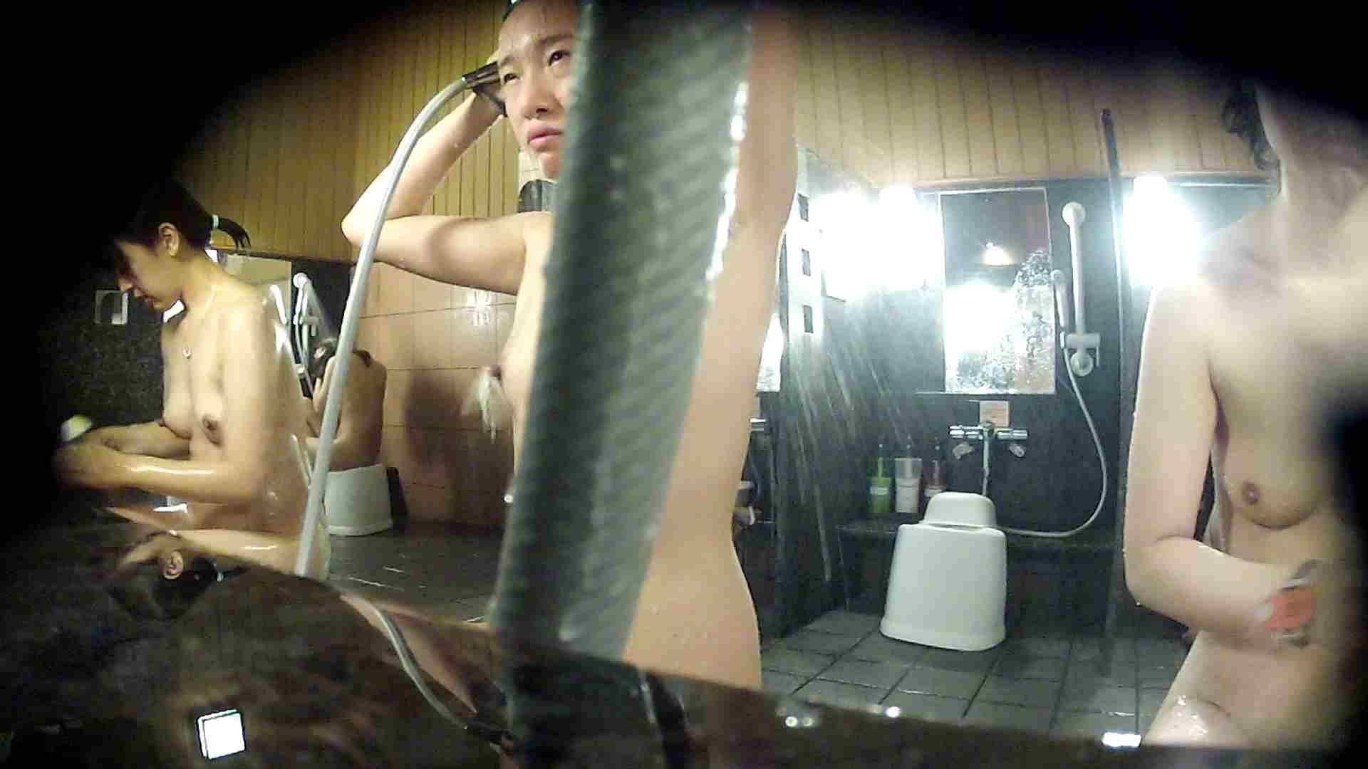 洗い場!ホースが邪魔ですが4体の身体を楽しめるお得な作品 潜入 オメコ無修正動画無料 79画像 27