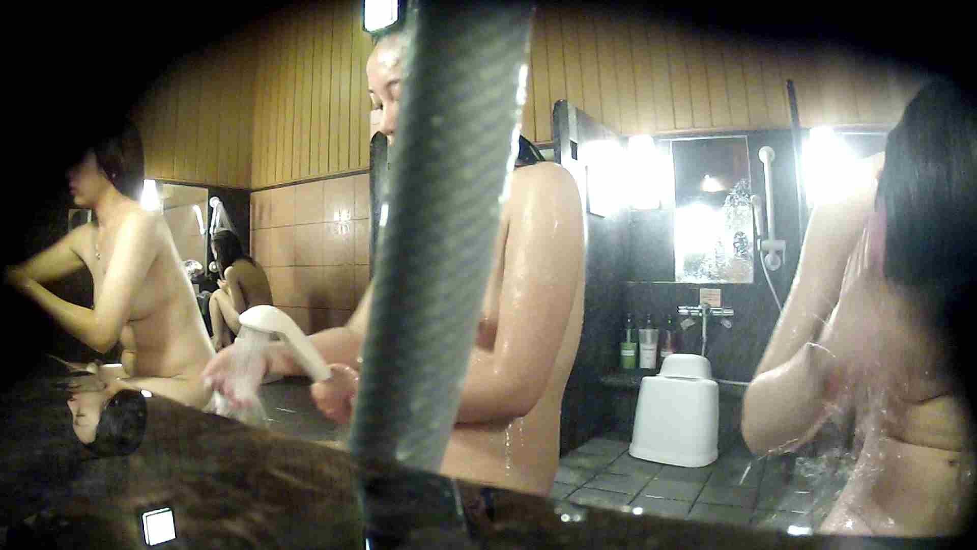 洗い場!ホースが邪魔ですが4体の身体を楽しめるお得な作品 高画質  79画像 50