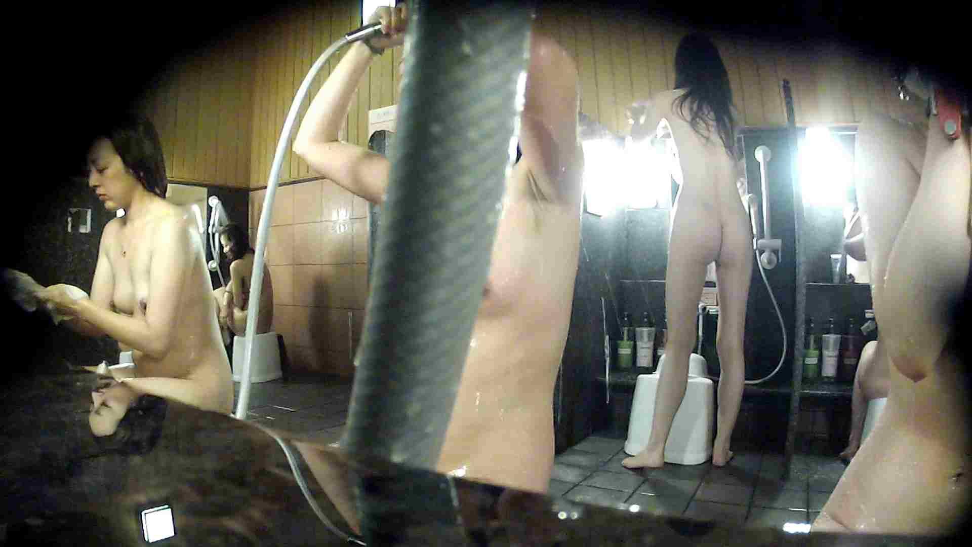 洗い場!ホースが邪魔ですが4体の身体を楽しめるお得な作品 女湯 ワレメ無修正動画無料 79画像 58