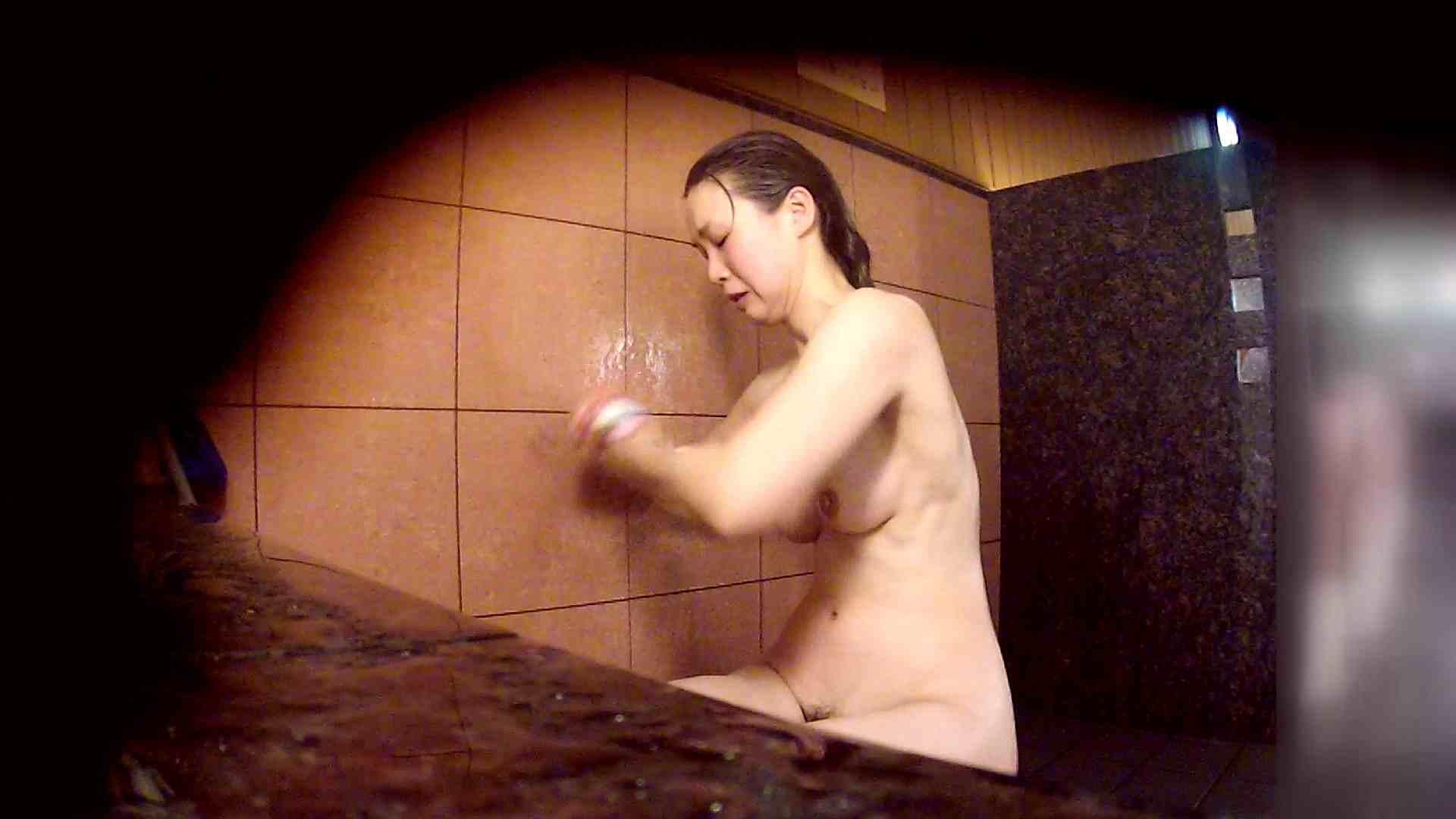 洗い場!マッスルお嬢さん!でもオッパイだけは柔らかそうです。 むっちり おまんこ動画流出 68画像 10