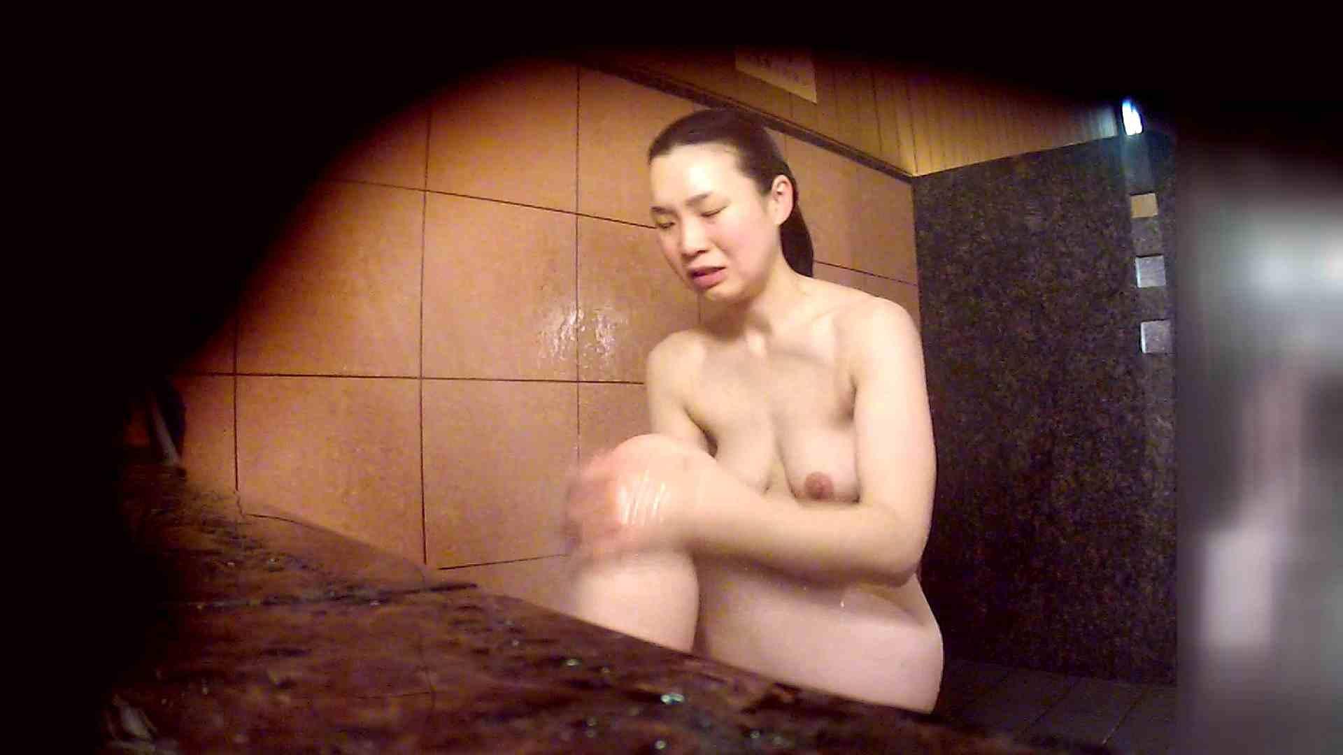 洗い場!マッスルお嬢さん!でもオッパイだけは柔らかそうです。 潜入  68画像 49