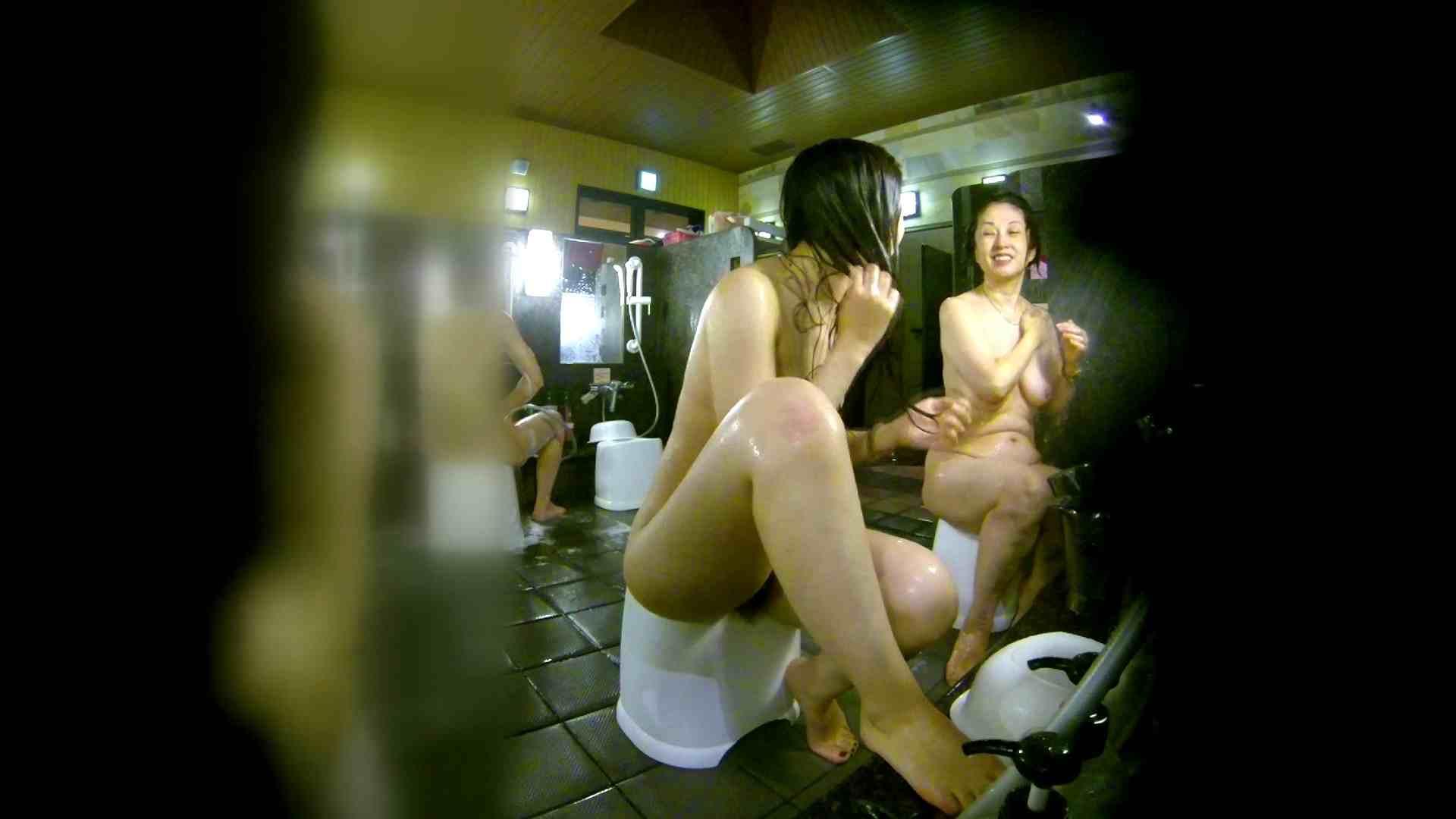 洗い場!右足の位置がいいですね。陰毛もっさり! 潜入 オメコ動画キャプチャ 111画像 40