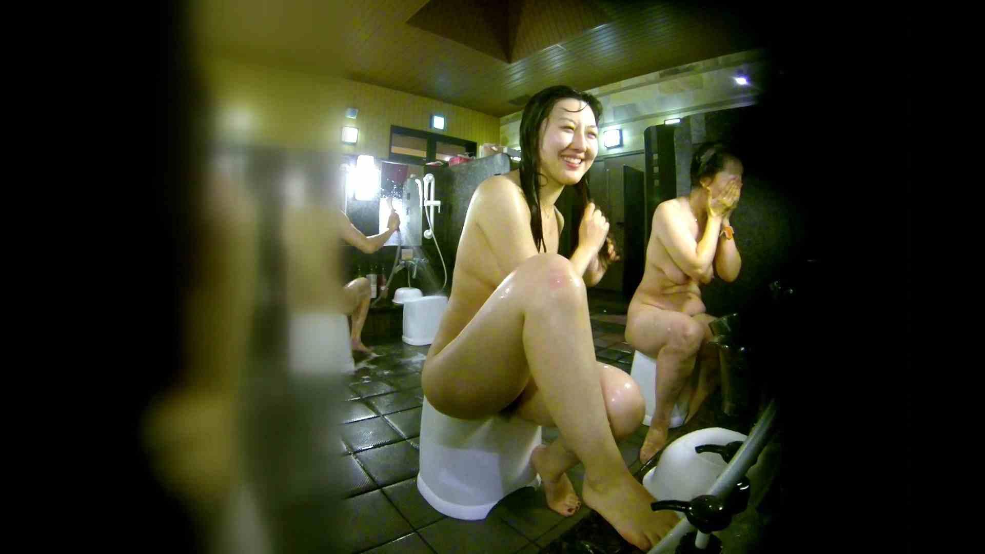洗い場!右足の位置がいいですね。陰毛もっさり! 女湯 ワレメ無修正動画無料 111画像 41