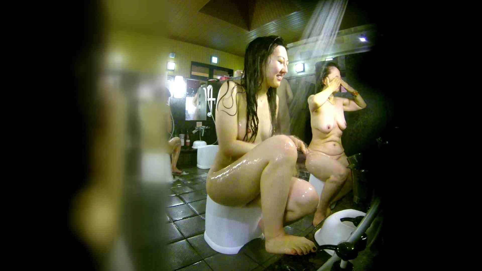 洗い場!右足の位置がいいですね。陰毛もっさり! 銭湯着替え   お姉さん攻略  111画像 43